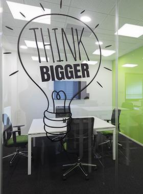 pareti per ufficio personalizzate